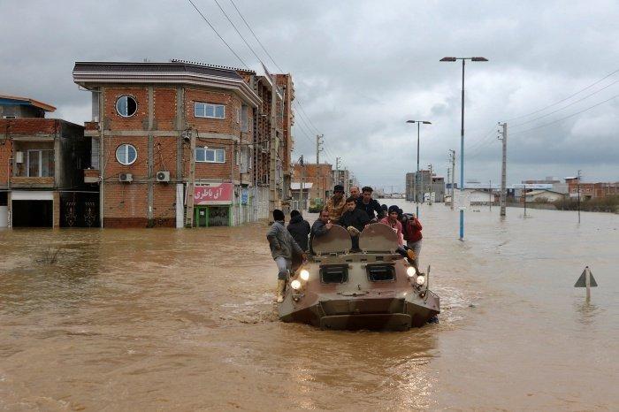 Иран накрыли масштабные наводнения.