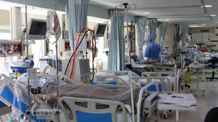 Система здравоохранения Ирана не справляется с эпидемией.