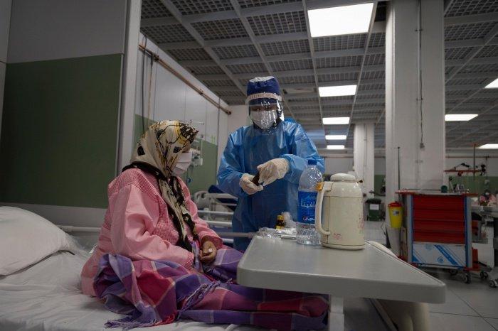 Не менее десятка врачей умерли в Иране от коронавируса.