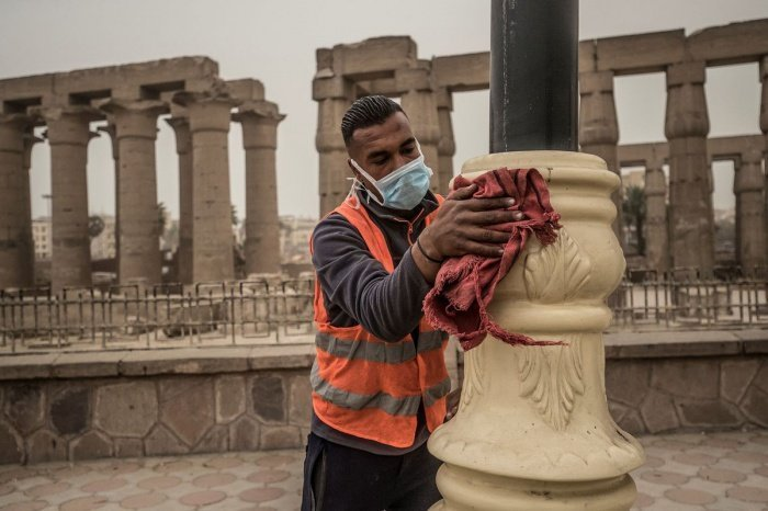 Экономика Египта значительно пострадала от коронавируса.