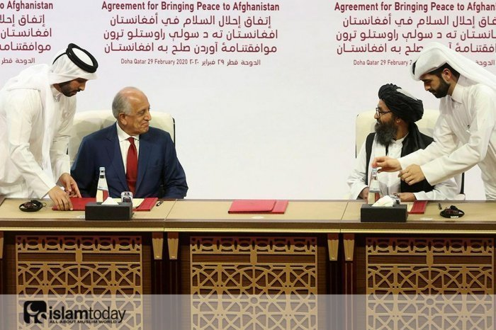 Мулла Абдул Гани Барадар сел за переговорный стол с Залмаем Халилзадом. (Источник фото: yandex.ru)