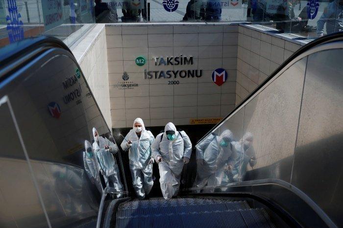 В Турции от коронавируса скончались более 800 человек.