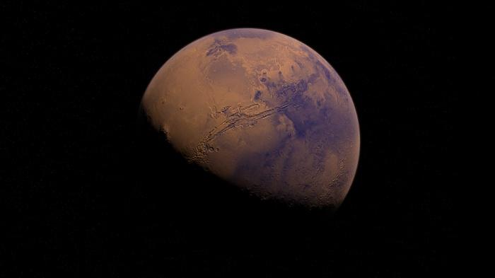 Если растопить весь известный марсианский лед, вода растеклась бы по всей поверхности Марса слоем в десятки метров