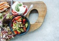 Названы полезные для мозга продукты средиземноморской диеты