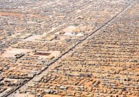 Иордания запретила поставлять гумпомощь в лагерь беженцев в Сирии