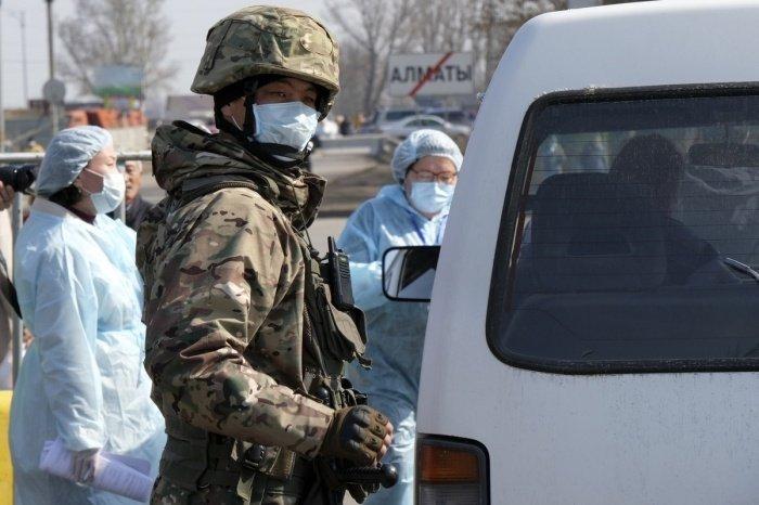 В Казахстане в связи с коронавирусом действует режим ЧП.