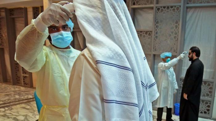 В странах Персидского залива растет число заразившихся коронавирусом.