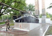 Российские военные отреставрируют памятники времен ВОВ в Таджикистане