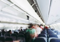 Названы самые грязные места в салоне самолета
