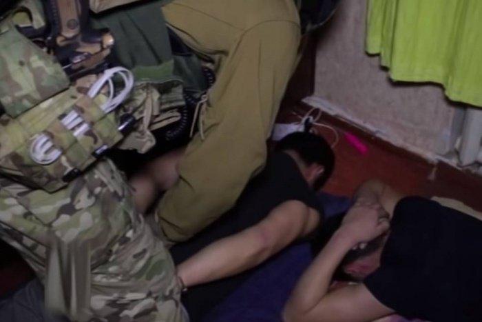 Кадры задержания вербовщиков ИГИЛ.