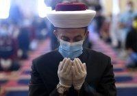 """""""Соблюдайте дистанцию!"""": мусульмане в мечетях после самоизоляции (ФОТО)"""