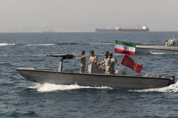 Военные Ирана заявили о намерении защищать свои танкеры.