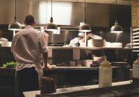 Обнаружены профессии, у которых выросли зарплаты в пандемию