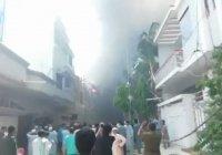 В Пакистане разбился самолёт с сотней пассажиров на борту