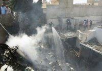 СМИ сообщили о выживших при крушении пассажирского лайнера в Пакистане