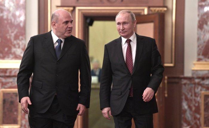 Президент и премьер-министр РФ отметили активное участие мусульман в жизни страны.