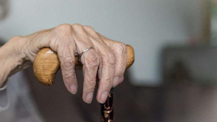 В Иране сообщили о выздоровлении долгожительницы после коронавируса.