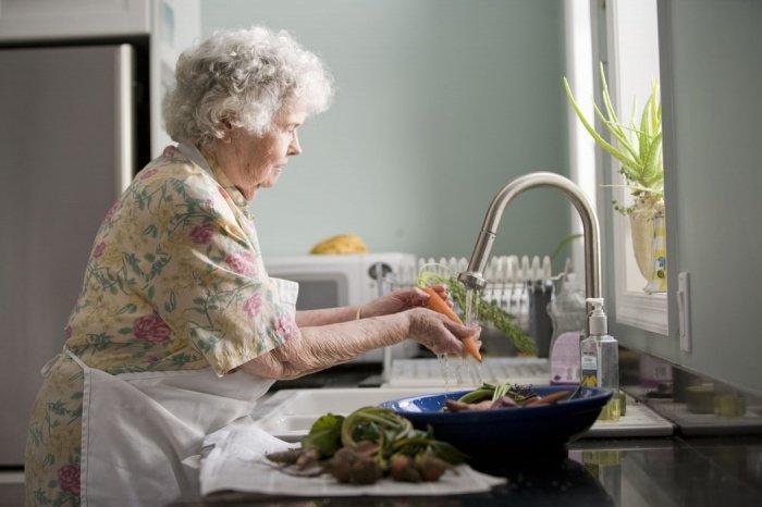 Авторы законопроекта подчеркивают, что Всемирная организация здравоохранения (ВОЗ) причисляет 75-летних людей к лицам старческого возраста