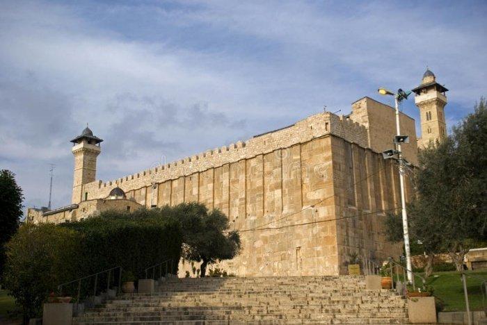 В Палестине для верующих открылась Мечеть Ибрагими.