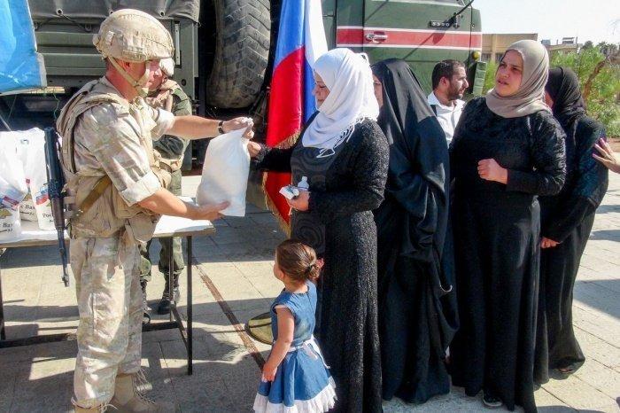 Жители Сирии получили российскую гуманитарную помощь.