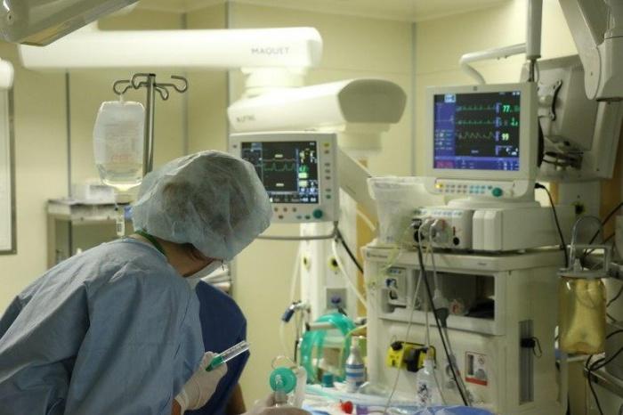 В Дагестане сообщили о смерти от коронавируса главврача больницы.