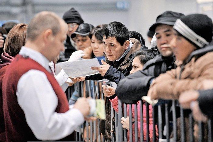 В РФ предлагают создать мобильное приложение для мигрантов.