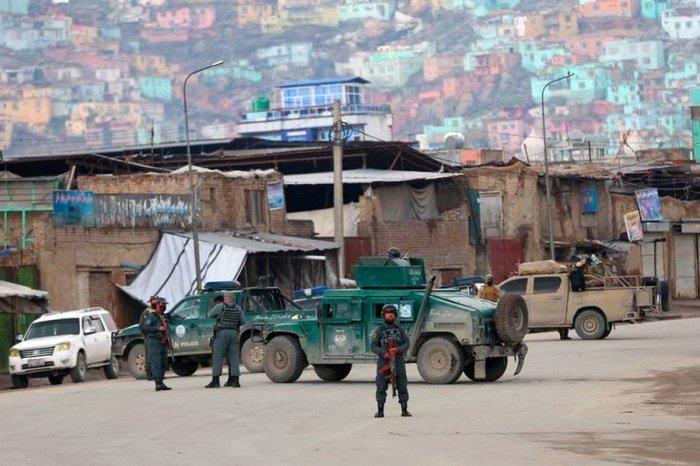 Не менее 15 военных погибли при атаке боевиков в Афганистане