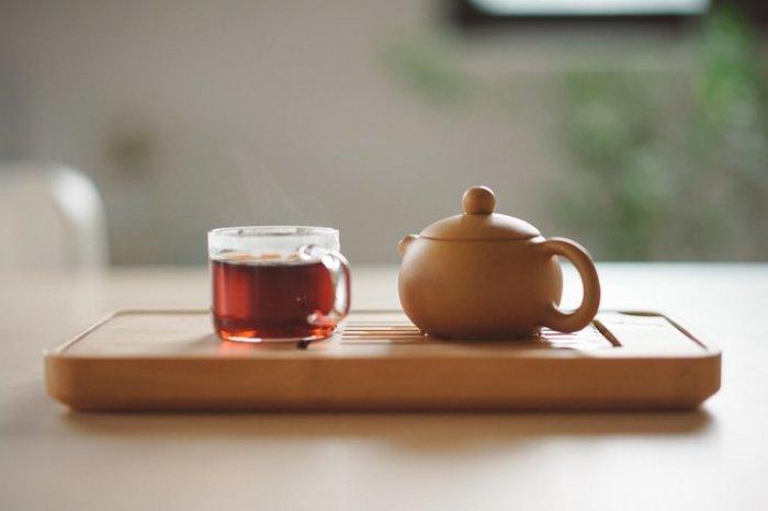 Горячий чай, говорят специалисты, может спровоцировать рак