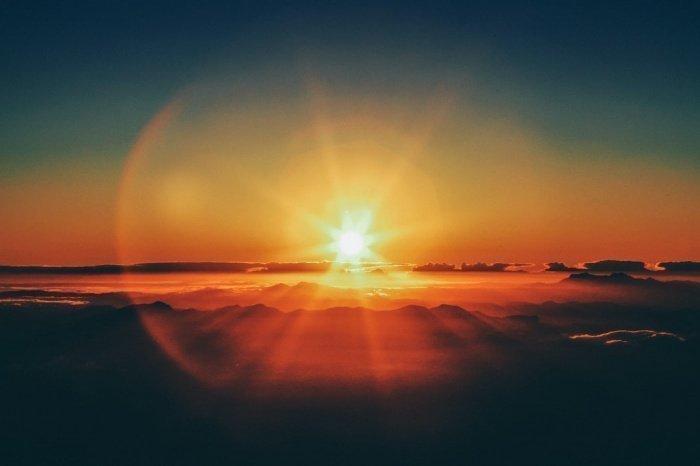 Возникновение вспышек и пятен на Солнце после продолжительной паузы в активности звезды может говорить о начале нового солнечного цикла