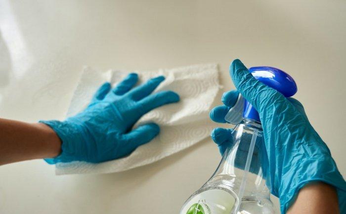 Бактерии, по словам медика, способны приобрести устойчивость к антисептикам и привести к возникновению вспышки заболеваний бактериальными инфекциями
