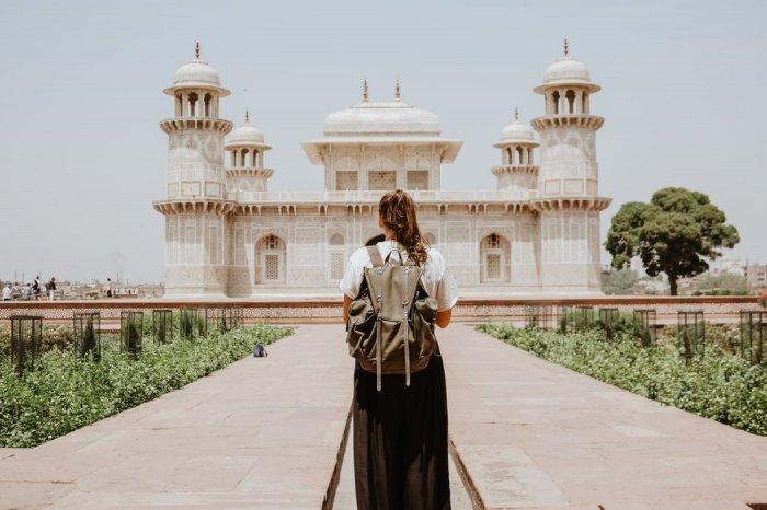 При этом 2% путешественников регулярно просматривают фото из своих прошлых путешествий