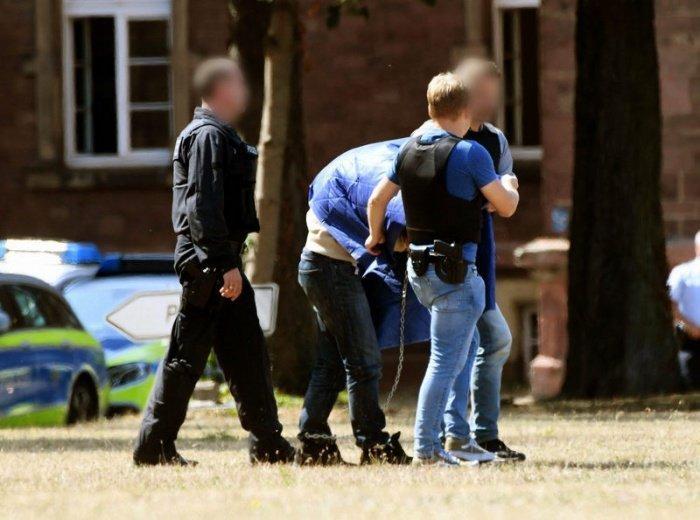 Полиция арестовала юношу, готовившего нападение на мусульман.