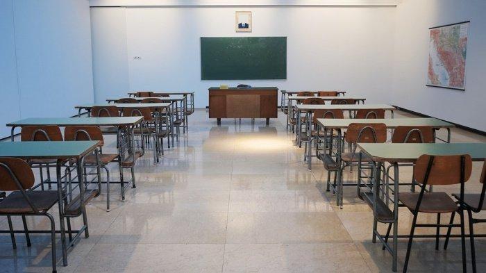 Российские школьники 9 и 11 классов в нынешнем году получат аттестаты без сдачи экзаменов