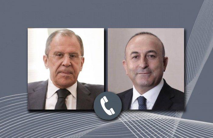 Главы МИД России и Турции провели телефонную беседу.