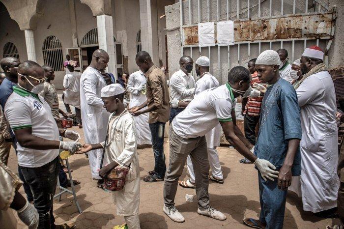 В африканских странах растет число заражений коронавирусом.