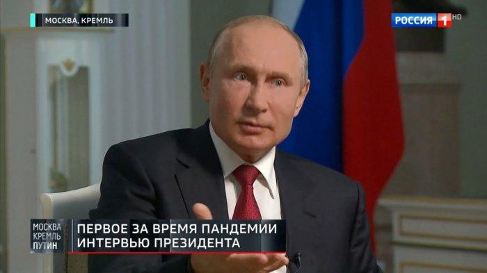 Кадры интервью главы российского государства.