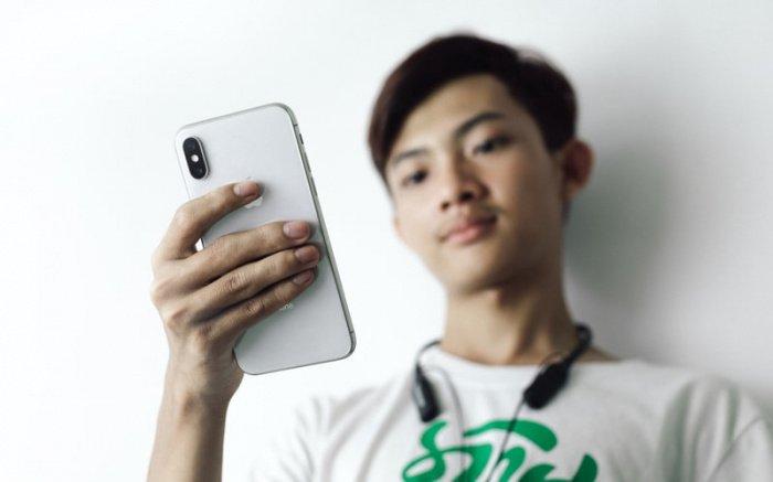 Apple и Samsung лидировали во всех регионах мира, помимо Китая, где самым популярным брендом премиальных устройств стал Huawei