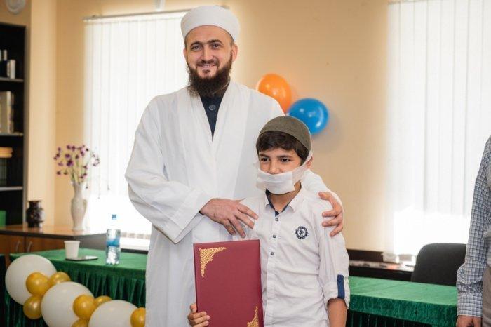 Выпускники медресе «Мухаммадия» получили дипломы.