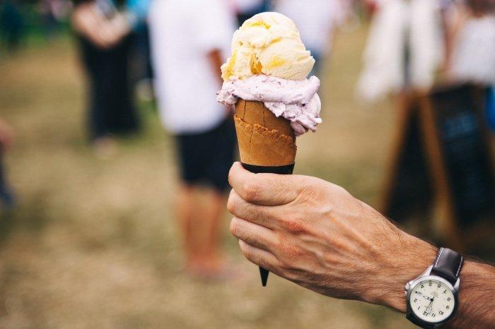 Мороженое может стать хорошим средством для закаливания горла