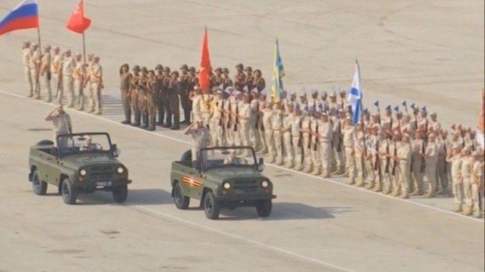 Сирийские и российские военные приняли участие в параде Победы.