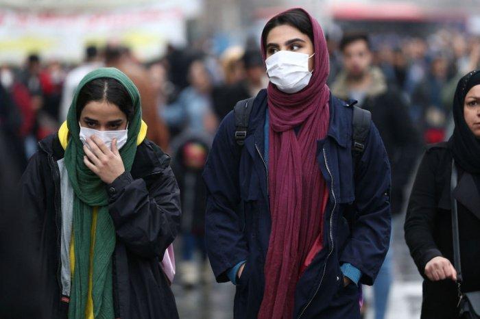 Жителей Ирана обяжут носить маски.