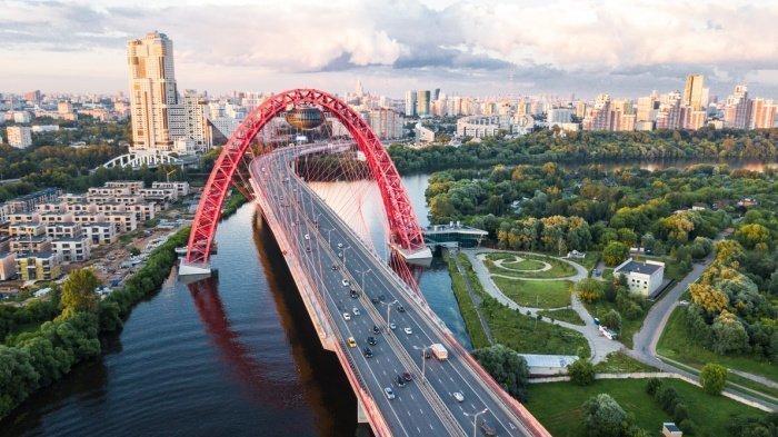 Первые строчки рейтинга городов, куда туристы отправлялись на самолетах, занимают Москва, Санкт-Петербург и Сочи