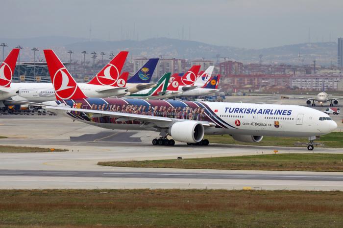 В России назвали возможную дату возобновления авиасообщеня с Турцией.