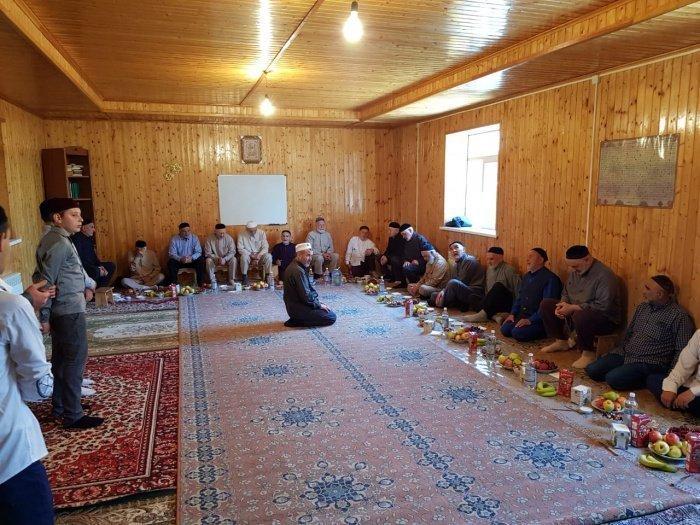После голосования в мечетях прошли мавлиды.