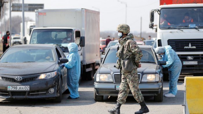 Власти Казахстана объявили о двухнедельном карантине.