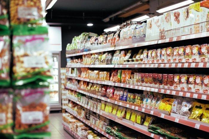 Профессор советует избегать пищи, содержащей дрожжи и сахар, в том числе и заменителей сахара