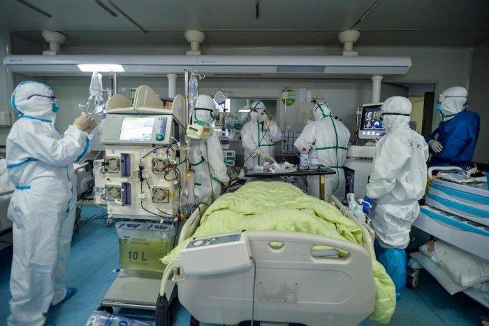 Минздрав ОАЭ озвучил последние данные по коронавирусу.