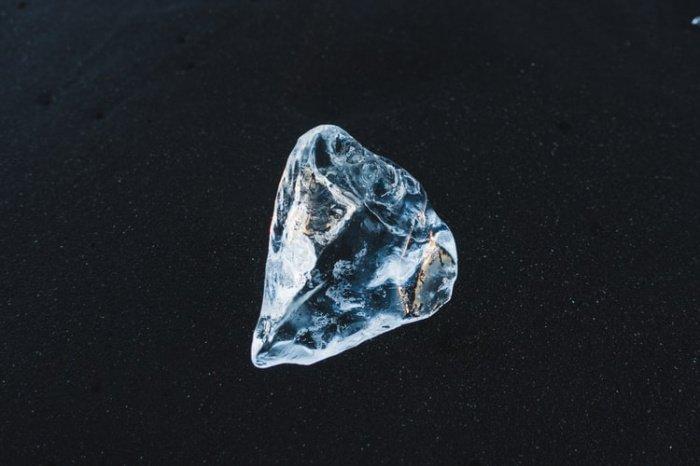 Исследователи пришли к выводу, что колоссальную энергию выделяют скопления алмазов