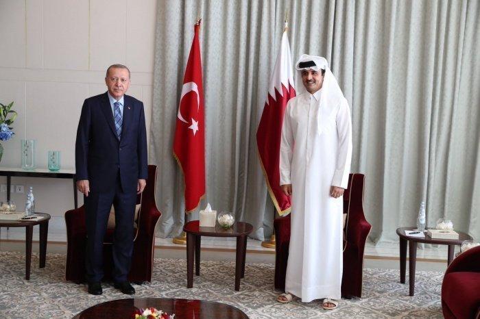 Лидеры Турции и Катара на встрече в Дохе.