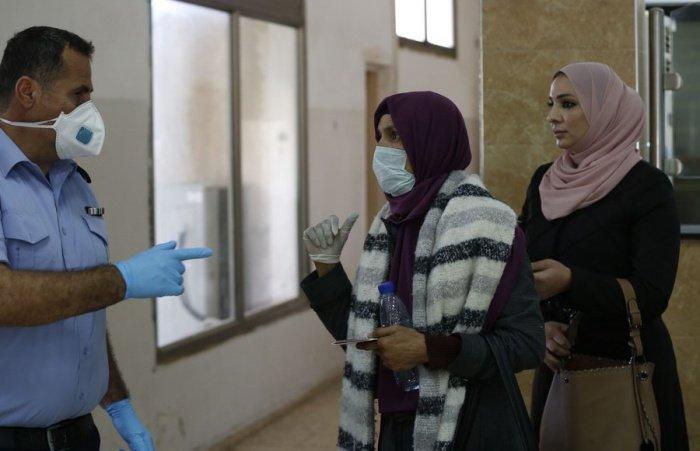 В Иордании усилят контроль над соблюдающими карантин.